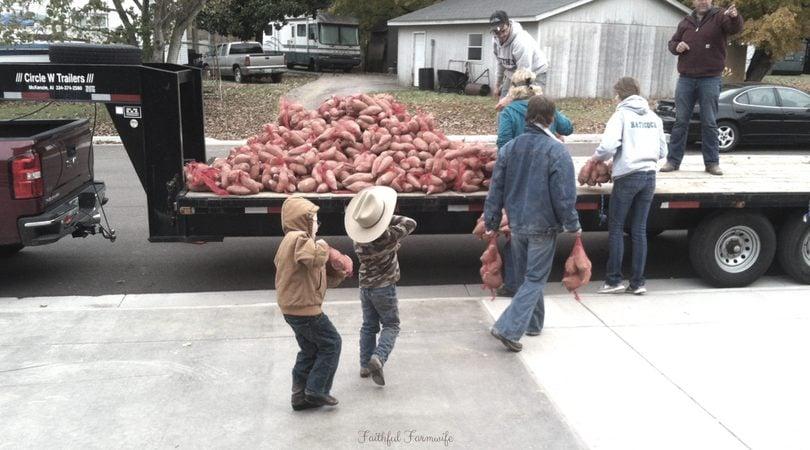 Serving With Children: 10 Ways to Make It Happen