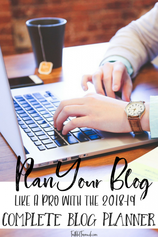 The Complete Blog Planner has everything that you need to get your blog info organized! Track your income, log your affiliate info, keep up with growth, and more! #blogplanner #blogging