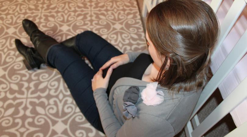 5 Nesting Tips for the Expectant Mama +Checklists