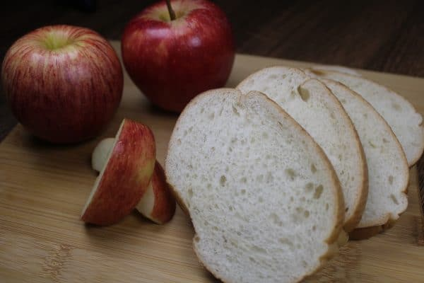 Southern Skillet Apple Pie Bread Pudding Recipe | Faithful Farmwife