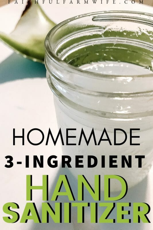 Need to make your own hand sanitizer? Check out this simple 5-minute homemade hand sanitizer recipe! #homemade #handsanitizer #makeyourown #quarantinehack #aloeverauses #aloevera