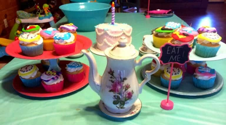 How to Throw an Alice in ONEderland Birthday Party