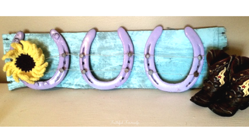 How to Make a DIY Horseshoe Bow Holder