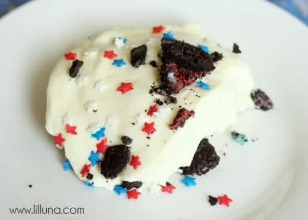Patriotic Dirt Cake | Faithful Farmwife