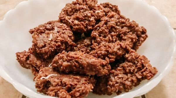 No-Bake Chocolate Oatmeal Cookie Recipe | Faithful Farmwife