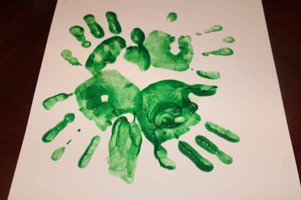 Simple St Patrick's Day Craft: Handprint Shamrock | Mama on the Homestead