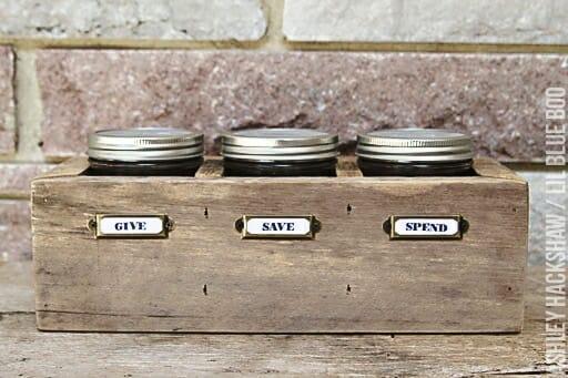 Mason Jar Piggy Bank | 30+ of the Best Mason Jar Uses for Your Home | Faithful Farmwife