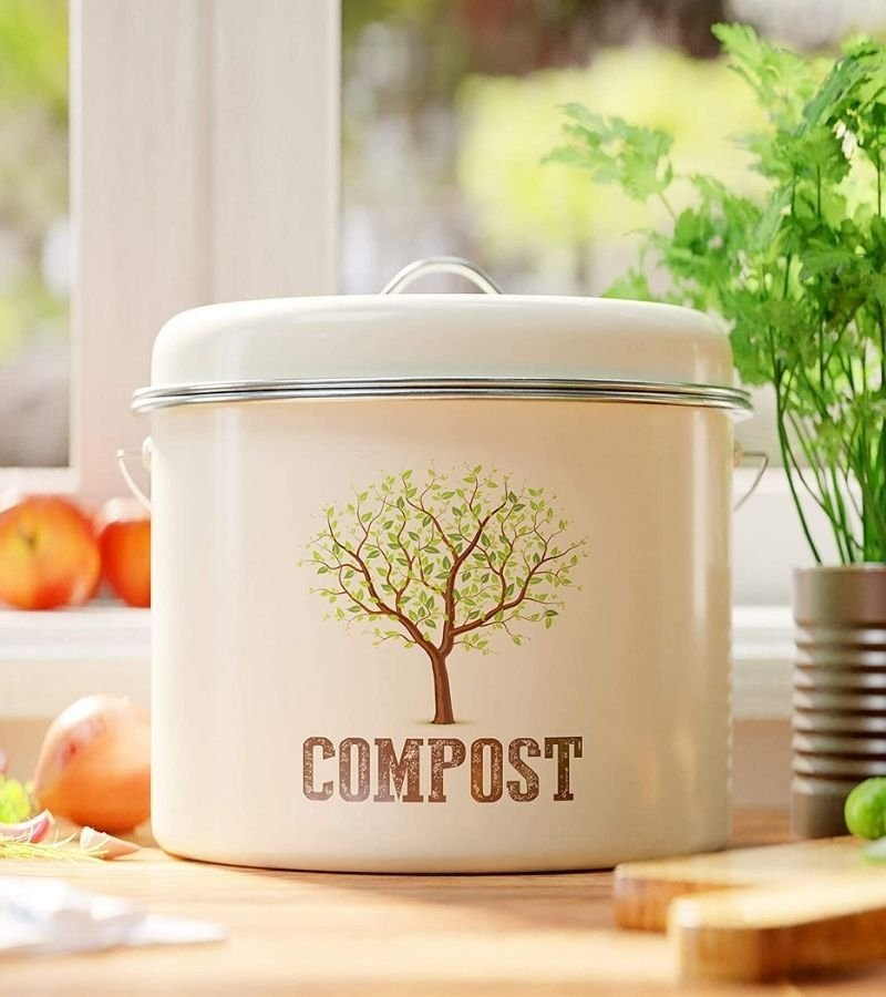 Kitchen Compost pail on a counter