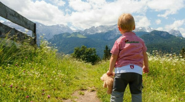 Baby Looking at Mountains | How To Set Realistic & Attainable Goals For Moms | Faithful Farmwife