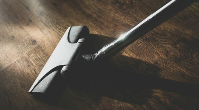 How to Create an Efficient Household Cleaning Routine