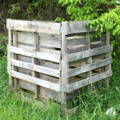 How to Build a Simple Pallet Compost Bin for FREE